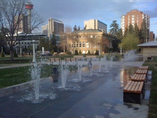 You know what this sidewalk needs?More fountains in the middle.